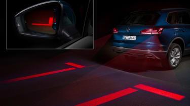 Volkswagen interactive lights - Optical Park Assist