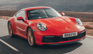 Porsche 911 Carrera S - front tracking