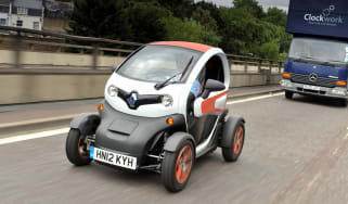 Renault Twizy front tracking