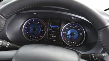 Toyota Hilux 2016 - instruments