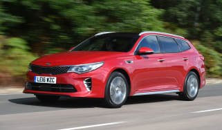 Kia Optima Sportswagon - front