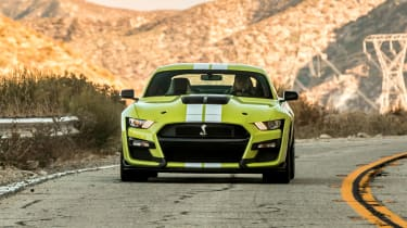 Ford Mustang Shelby GT500 - front tracking