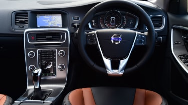 Volvo S60 Cross Country 2015 - dash