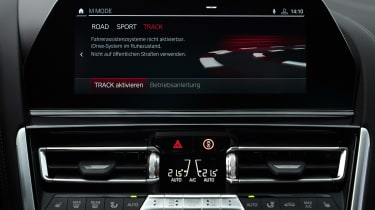 BMW M8 Competition - infotainment