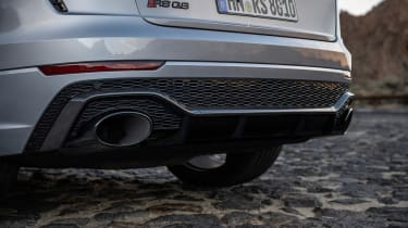Audi RS Q8 - exhausts