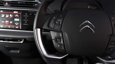Citroen Grand C4 Picasso - steering wheel detail