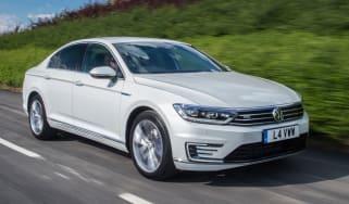 Volkswagen Passat GTE 2016 - front tracking