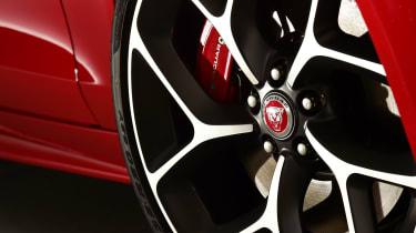Jaguar XE - wheel