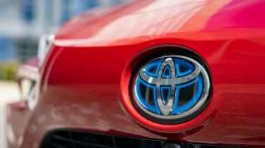 Toyota Mirai - front badge