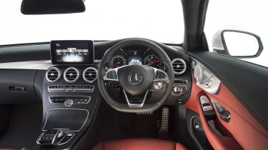 Mercedes C-Class Coupe C250d AMG Line - dashboard