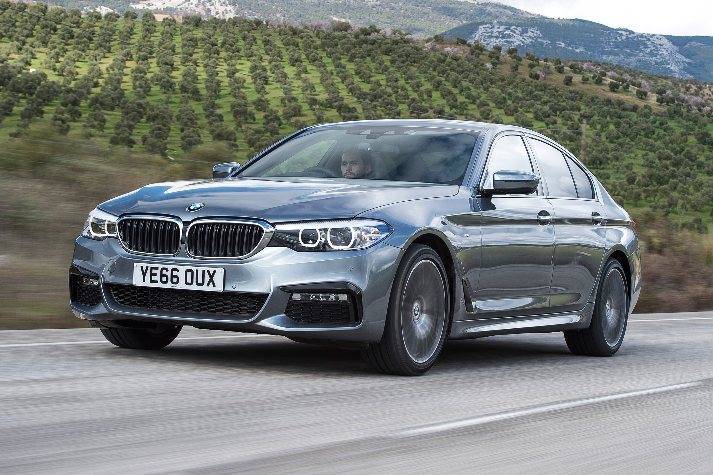 New Bmw 5 Series M Sport 2017 Review Auto Express