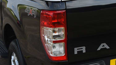 Ford Ranger 3.2 TDCi 2016 - rear light