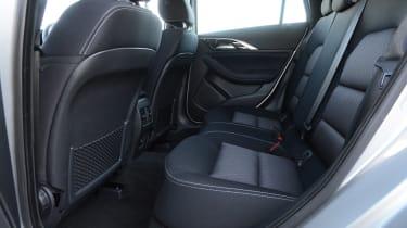 Infiniti Q30 1.6 DCT - rear seats