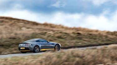 Aston Martin V12 Vantage S 2016 - rear