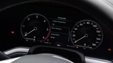 Volkswagen Touareg - dials