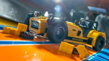 LEGO Caterham 620R - front quarter 2