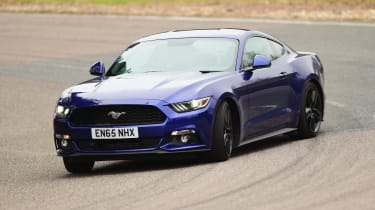 Ford Mustang 2.3 EcoBoost 2016 - front drifting
