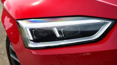 Twin test - Audi A5 - headlight