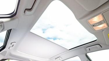 Toyota Auris - panoramic sunroof