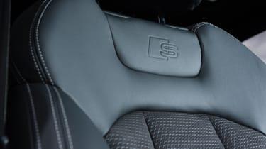 Audi Q8 - leather