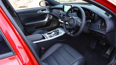 Kia Stinger - front seats