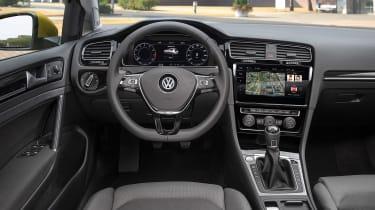 New 2017 Volkswagen Golf - dash