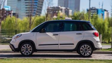 Fiat 500L Google - side