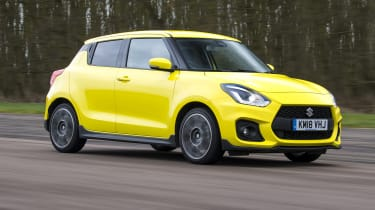 Suzuki Swift Sport - Front tracking