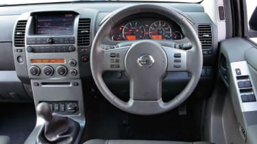 Nissan Pathfinder 2.5 dCi T-Spec Dash
