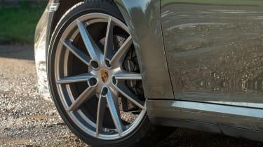 Porsche 911 Carrera - wheel