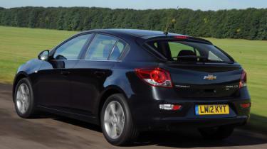 Chevrolet Cruze rear tracking