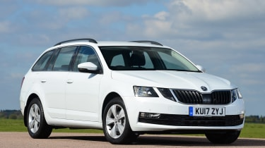 Skoda Octavia Estate - front static