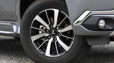 mitsubishi shogun sport alloy wheel