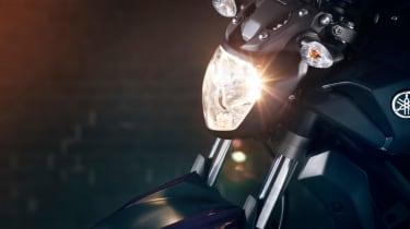 Yamaha MT-07 review - headlight on