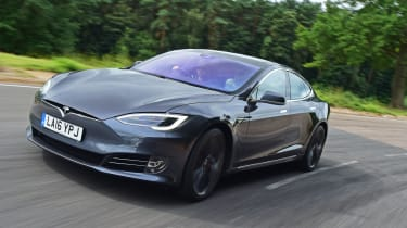 Tesla Model S 2016 facelift front tracking
