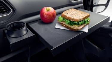 Renault Master - tray