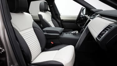 Land Rover Discovery - front seats