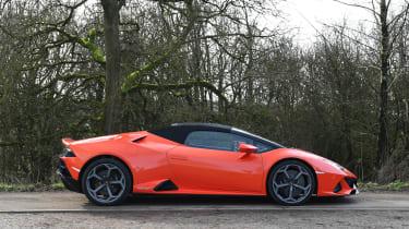 Lamborghini Huracan Evo Spyder - roof up