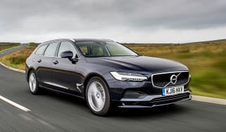 Volvo V90 D5 Momentum - front tracking