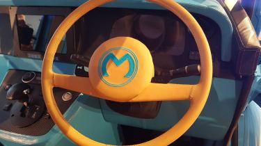Morris JE - reveal steering wheel
