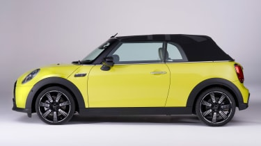 MINI Convertible facelift - side hood up