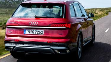 Audi Q7 55 TFSI - rear tracking