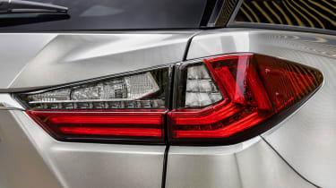 Lexus RX L - taillight