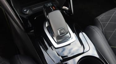 Peugeot 2008 - gear selector