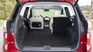 Ford Kuga Titanium - boot