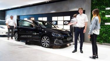Electric Vehicle Experience Centre - Golf talks