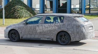 Toyota Auris Touring Sports - spyshot 8