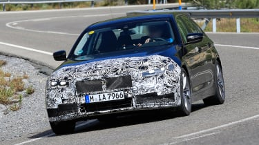 BMW 5 Series facelift - spyshot 1
