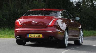 Jaguar XJ 3.0 V6 Supercharged rear cornering