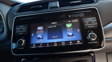 Nissan Leaf - infotainment